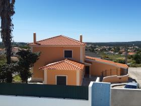 Image No.1-Villa de 3 chambres à vendre à Nadadouro