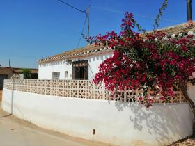 Fuente Álamo, Country House