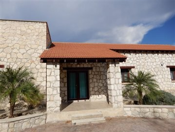 22302-a-private-five-bedroom-villa-in-giolou-