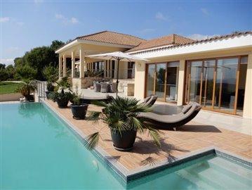 20770-a-private-four-bedroom-villa-with-annex