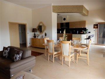 20777-a-private-four-bedroom-villa-with-annex