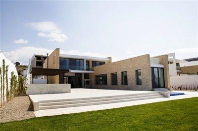 14531-exclusive-luxuries-front-line-villas-in