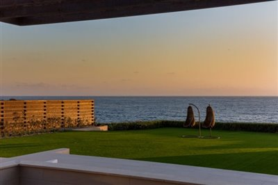 14536-exclusive-luxuries-front-line-villas-in