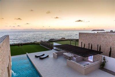 14538-exclusive-luxuries-front-line-villas-in