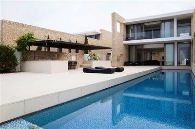 14539-exclusive-luxuries-front-line-villas-in