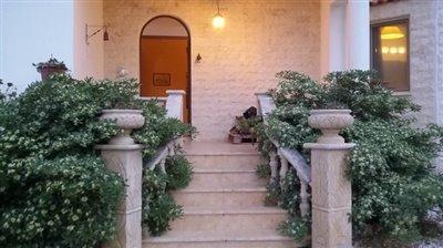 14905-a-delightful-six-bedroom-villa-bungalow