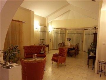 14906-a-delightful-six-bedroom-villa-bungalow