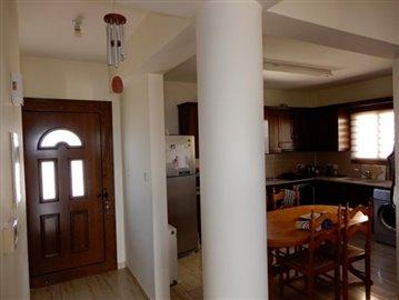 19160-a-three-bedroom-villa-in-kallepia-is-fo