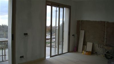 24048-bungalow-for-sale-in-arodesfull