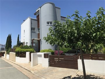 26061-detached-villa-for-sale-in-latchifull