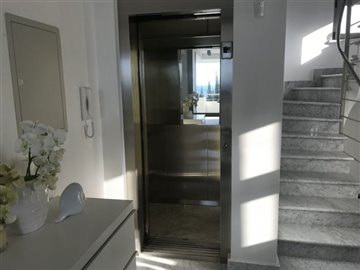 26064-detached-villa-for-sale-in-latchifull
