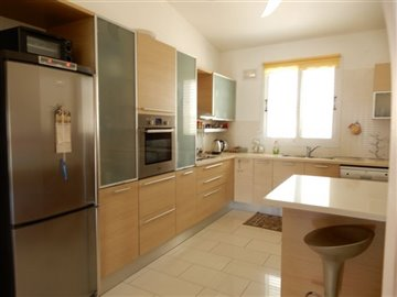 29042-bungalow-for-sale-in-mandriafull