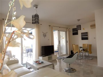 28829-town-house-for-sale-in-chlorakasfull
