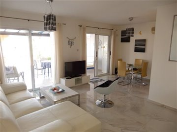 28827-town-house-for-sale-in-chlorakasfull