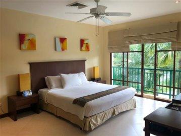 Master-Bedroom--overlooking-poolJPG