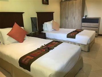 Guest-Bedroom---Wardrobes