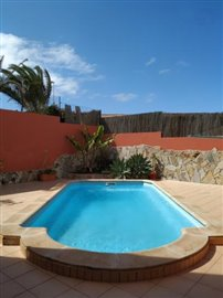 TH-137_1_Private-pool