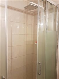 APT-374_8_shower