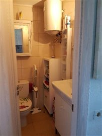 APT-374_9_bathroom-3