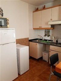 APT-375_8_Kitchen