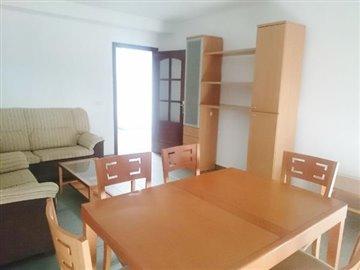 APT-380_5_DINING-ROOM