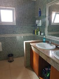 VIL-310_15_EN-SUITE-BATHROOM