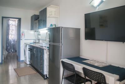APT-393_5_Kitchen