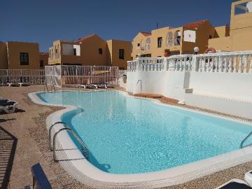 APT-366_12_Swimming-pool