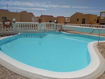 APT-366_13_Swimming-pool