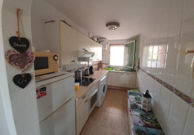 APT-406_3_Kitchen