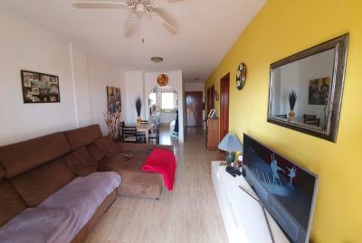APT-406_5_Living-room