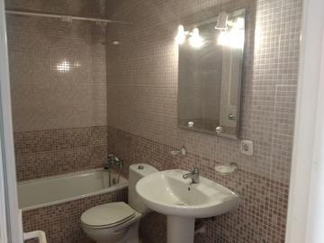 DUP-272_11_Downstairs-bathroom