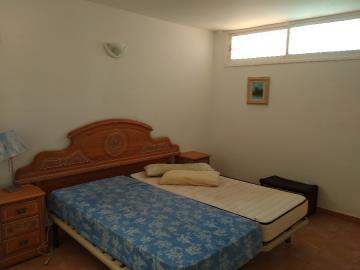 DUP-272_13_Downstairs-bedroom