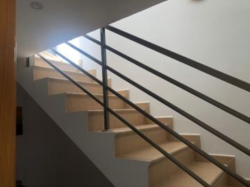 TH-150_1_Stairs