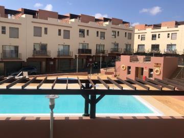 TH-150_24_Swimming-pool