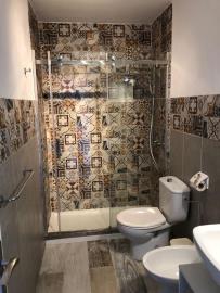 APT--411_11_Shower