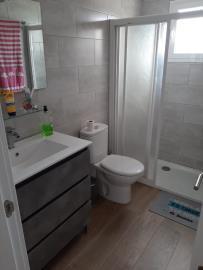 APT---412_1_Bathroom