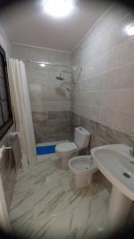 BGW-406_6_Bathroom