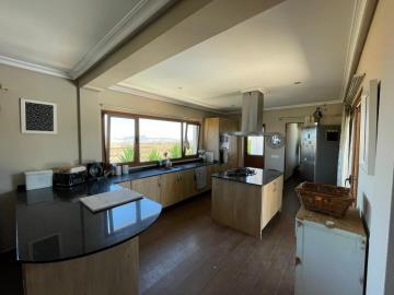 vil-322_8_Kitchen