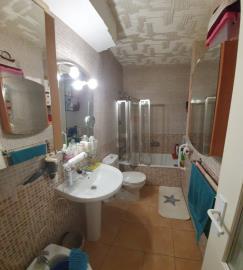 DUP-380_1_Bathroom---copia
