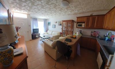 DUP-380_5_Living-room