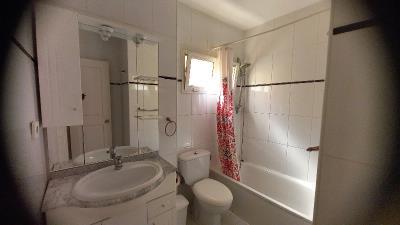 DUP--382_8_Complete-Bathroom