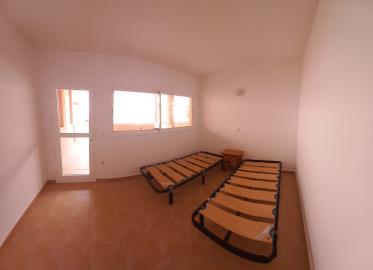 TH-151_8_Bedroom-3