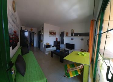 APT-425_3_Living-room