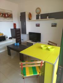 APT-425_4_Living-room