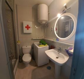 APT-425_7_Bath-room