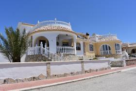 Camposol, Villa
