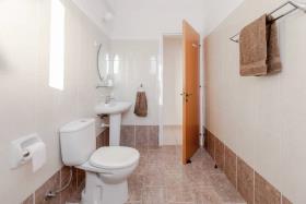 Image No.11-Appartement de 2 chambres à vendre à Kato Paphos