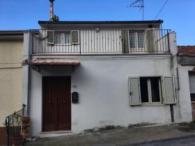 Altino, House