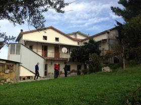 Guardiagrele, Village House